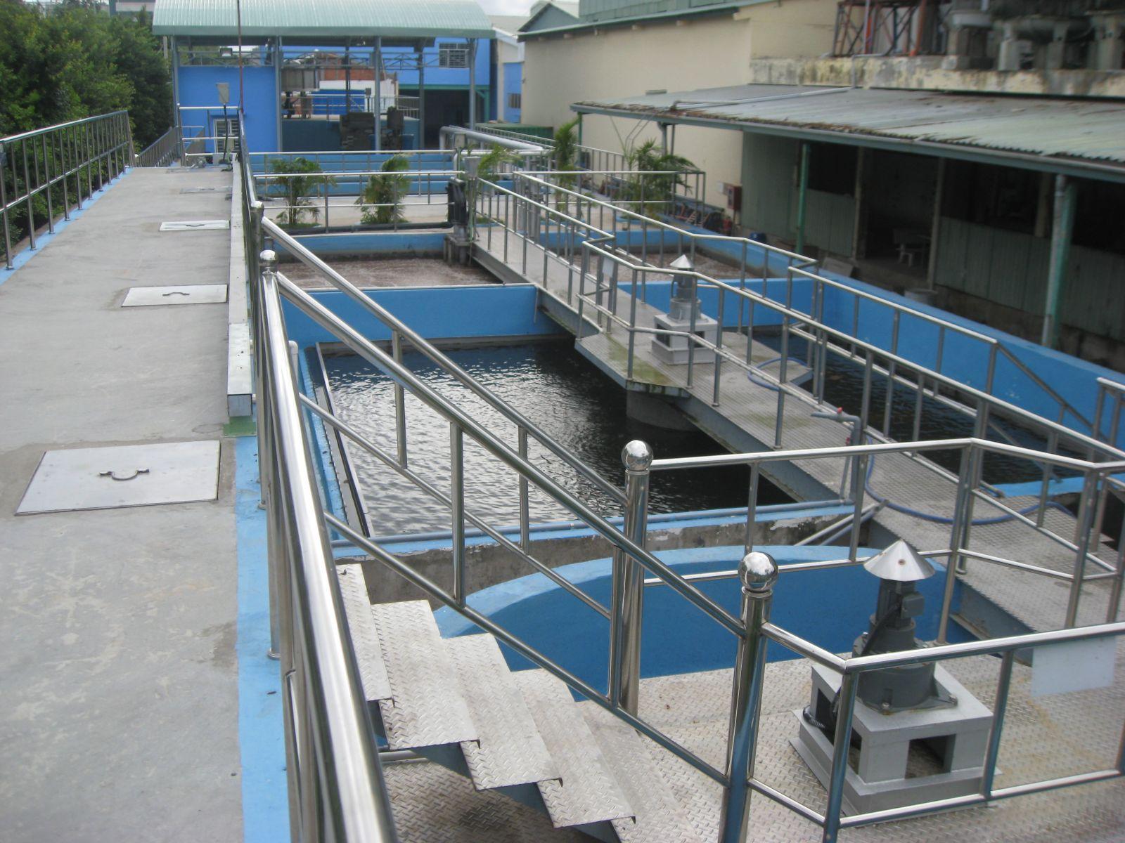 Công trình xử lý nước thải sinh hoạt bằng công nghệ vi sinh